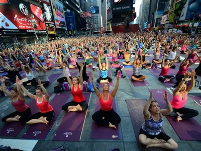 pb-120620-yoga-jm-01.photoblog900